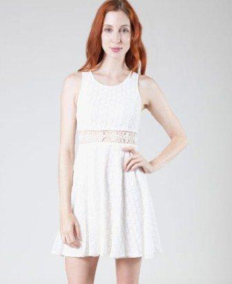 Mini beyaz dantel elbise modellleri