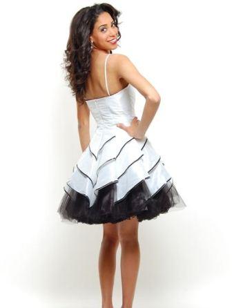siyah beyaz mini abiye elbise modelleri