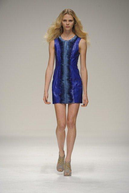 mavi deri elbise modelleri