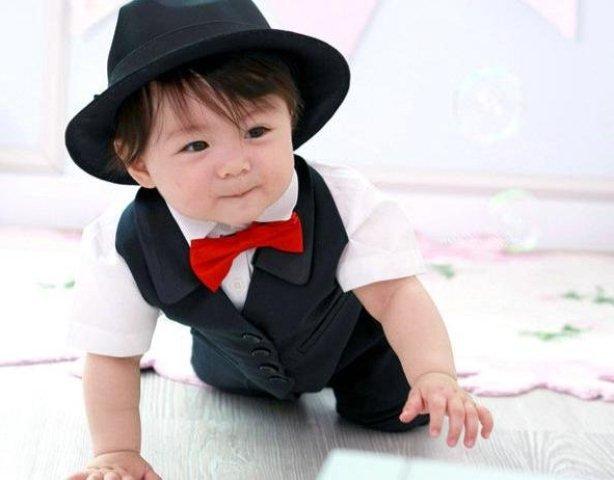 Erkek bebek smokin modelleri