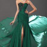 zümrüt yeşili sünnet annesi abiye elbise modeli