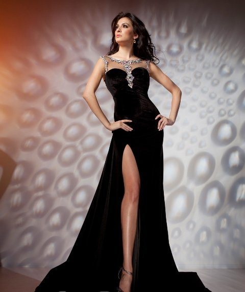 siyah kadife elbise modeli