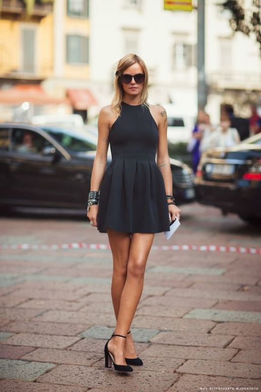 siyah mini elbise modeli