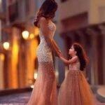 anne kiz ayni abiye elbise modelleri