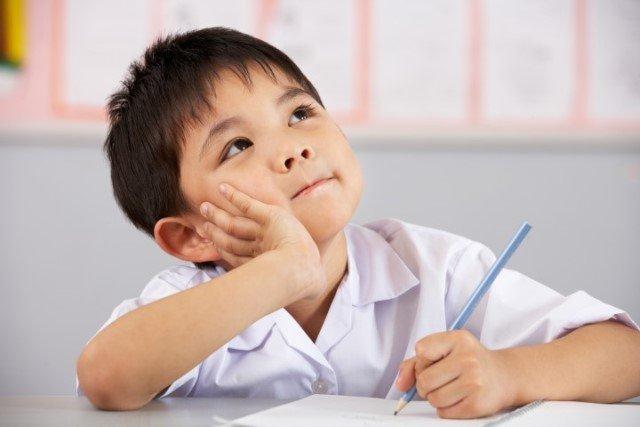 çocuklara Okulu Sevdirmenin Yolları - çocuklarda okula uyum sorunu