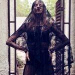 siyah-dantel-gotik-elbise