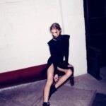 siyah-gotik-elbise