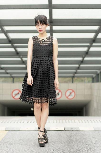 siyah file elbise modeli